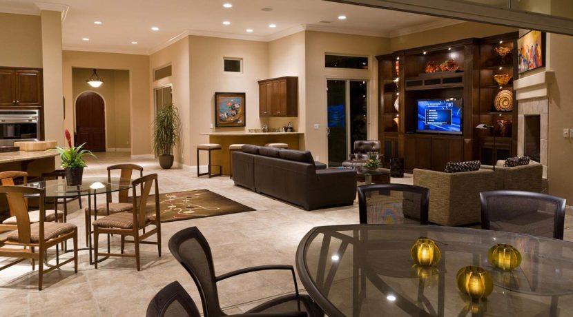 destination-m-la-quinta-livingroom