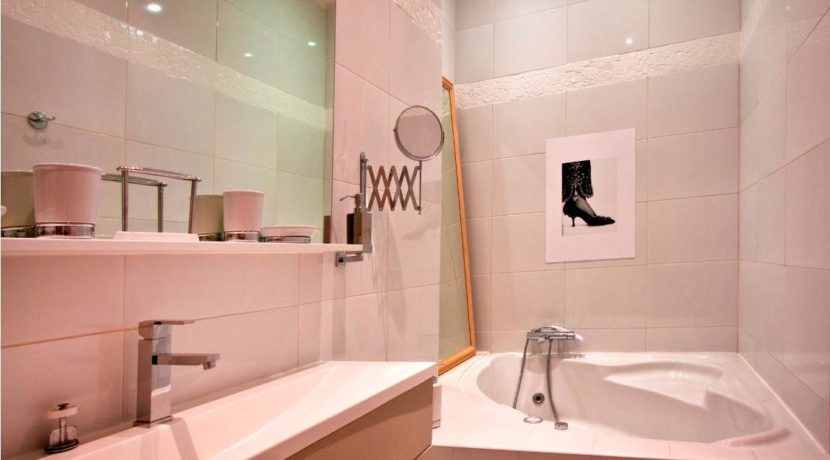 destination-m-paris-apt-bathroom2