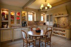 destination-m-provence-france-kitchen