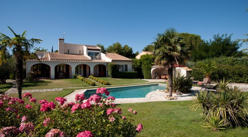 destination-m-provence-france-pool