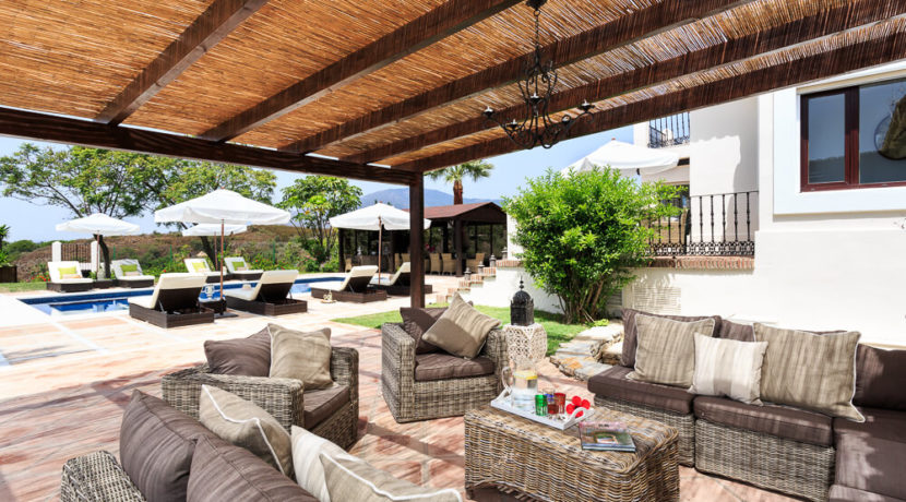 destination-m-spain-home-patio
