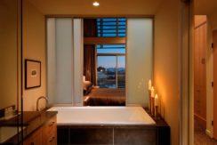 destination-m-victoria-bathroom