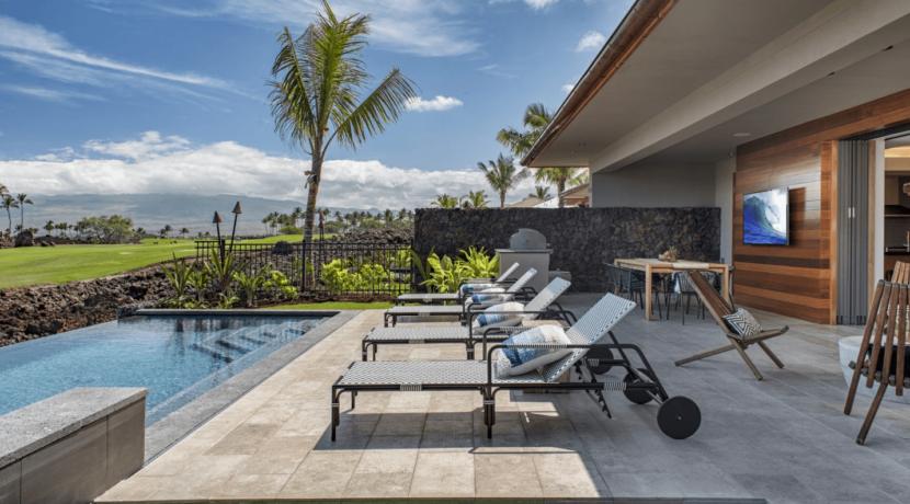 equity-residence-home-backyard