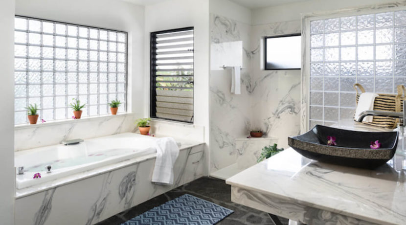 maunalani-resort-home-bathroom