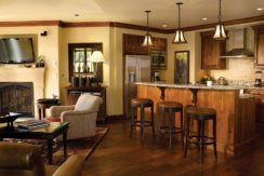 ritz-carlton-vail-room-kitchen