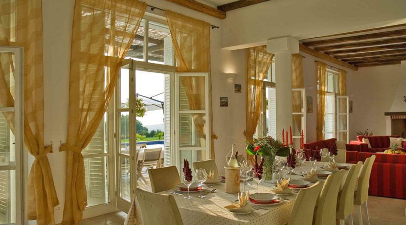rocksure-croatia-dining