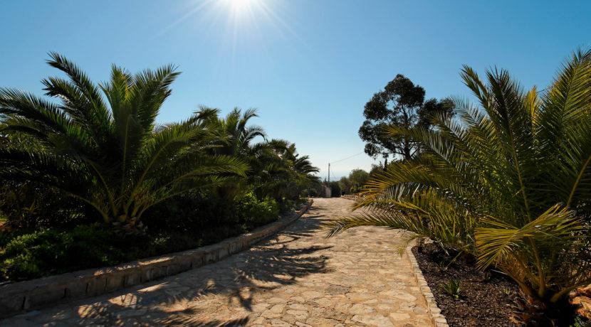 rocksure-portugal-driveway