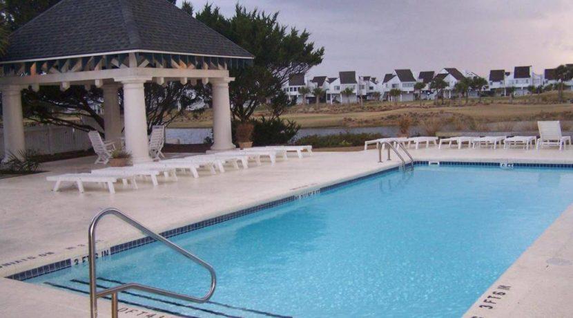 Hammocks-Pool