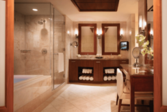 equity-estates-bahamas-bathroom