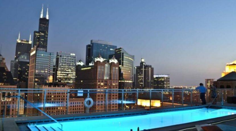 equity-estates-chicago-pool