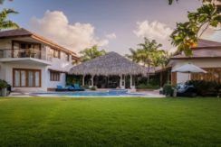equity-estates-dominican-republic-grass