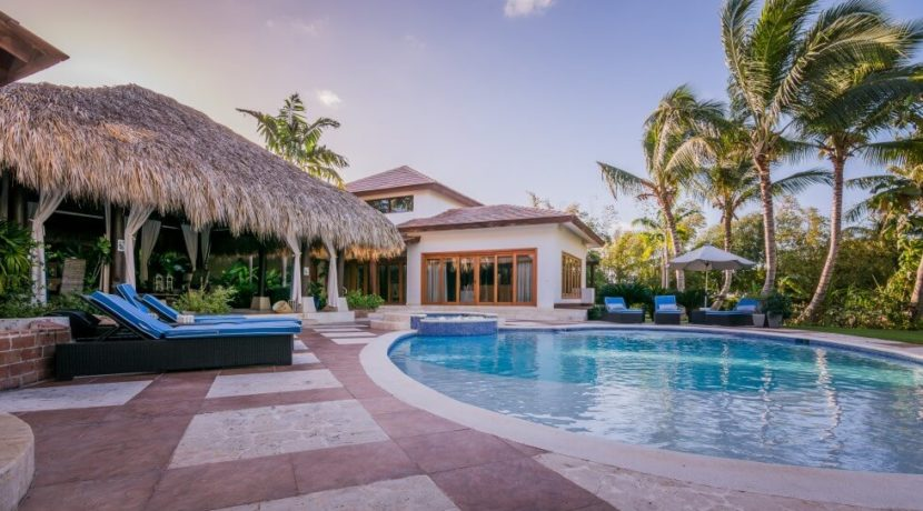 equity-estates-dominican-republic-pool