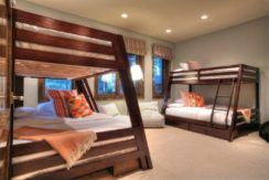 equity-estates-lake-tahoe-bunks