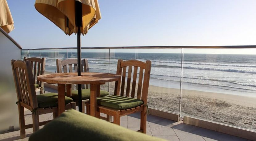equity-estates-san-diego-balcony