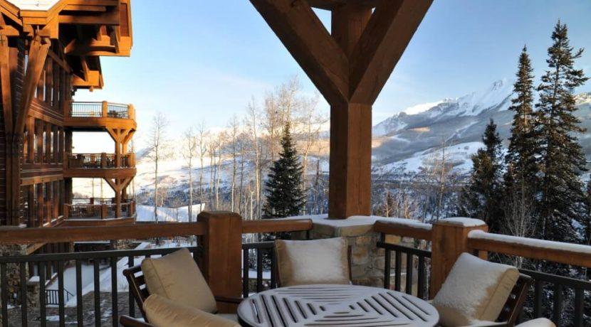 equity-estates-telluride-patio