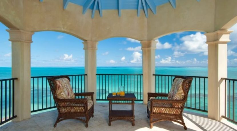 equity-estates-turks-caicos-thompson-patio