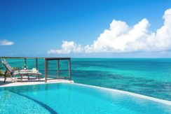 equity-estates-turks-caicos-thompson-pool