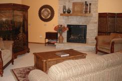 deep-creek-lake-overlook-fractional-home-livingroom