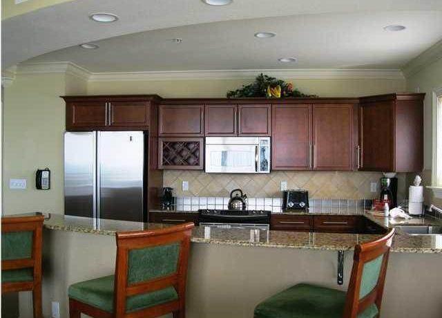 destin-fractional-condo-kitchen
