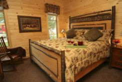 lake-george-fractional-lodge-bedroom