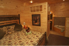 lake-george-fractional-lodge-interior