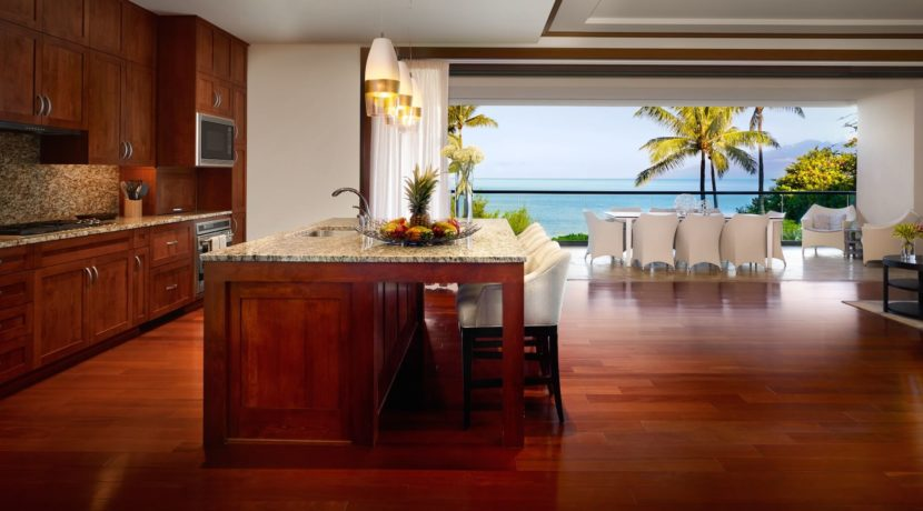 montage-maui-room-kitchen