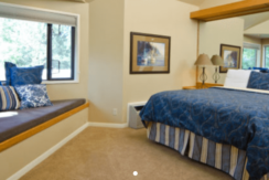 mt-bachelor-resort-bend-condo-bedroom
