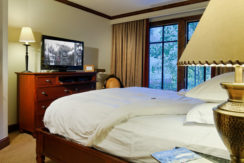 ritz-carlton-aspen-bedroom