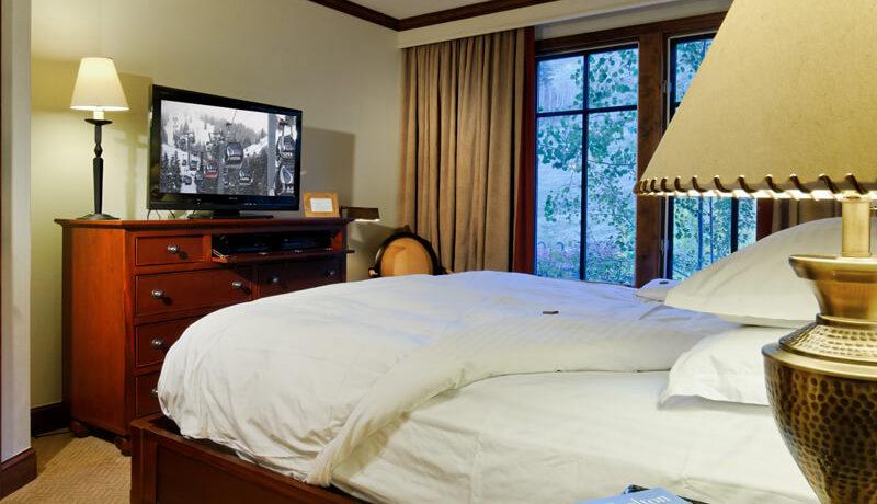 ritz-carlton-aspen-bedroom