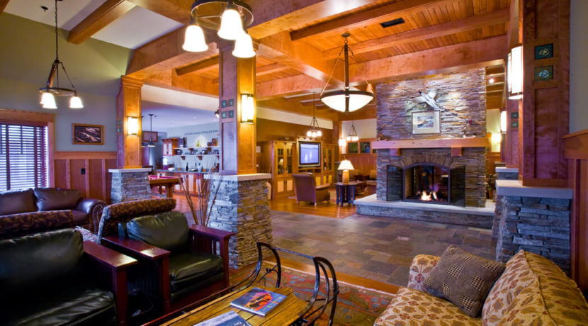 tamarack-lodge-lobby