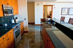 front-four-residence-club-kitchen