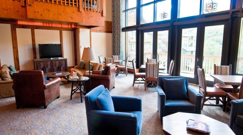 front-four-residence-club-lobby
