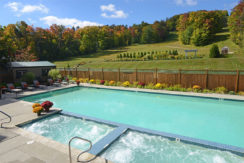grand-summit-mt-snow-resort-pool