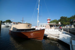 yacht-club-fractional-ownership-resort-boat