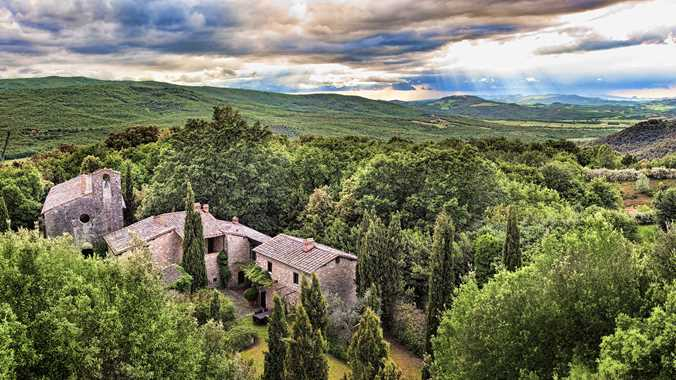 Tuscany Luxury Vacation Villa Exterior
