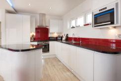 gwel-an-mor-home-kitchen