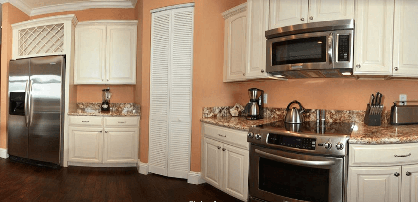 jimmy-johnsons-fractional-resort-kitchen