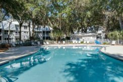 hilton-head-quarter-share-living-pool