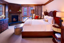 st-regis-residence-club-aspen-co-bedroom
