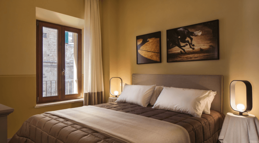 equity-residences-siena-italy-penthouse-bedroom2