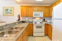 grand-cayman-quarter-share-kitchen