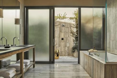 four-seasons-penthouse-bathroom