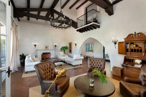 lifestyle-asset-group-scottsdale-living-room
