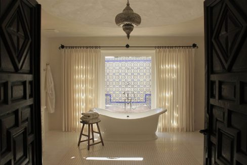 lifestyle-asset-group-scottsdale-master-bathroom