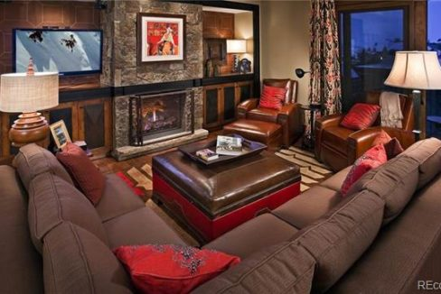 one-steamboat-living-room