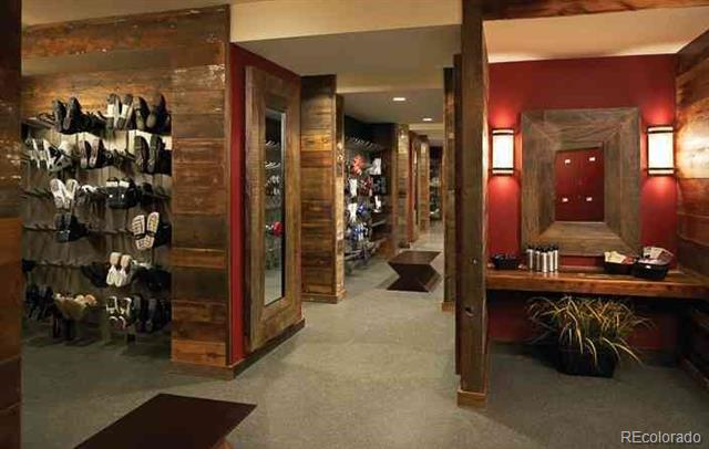 one-steamboat-ski-lockers