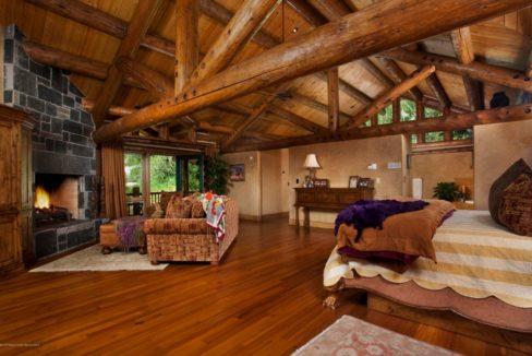 aspen-master-bedroom