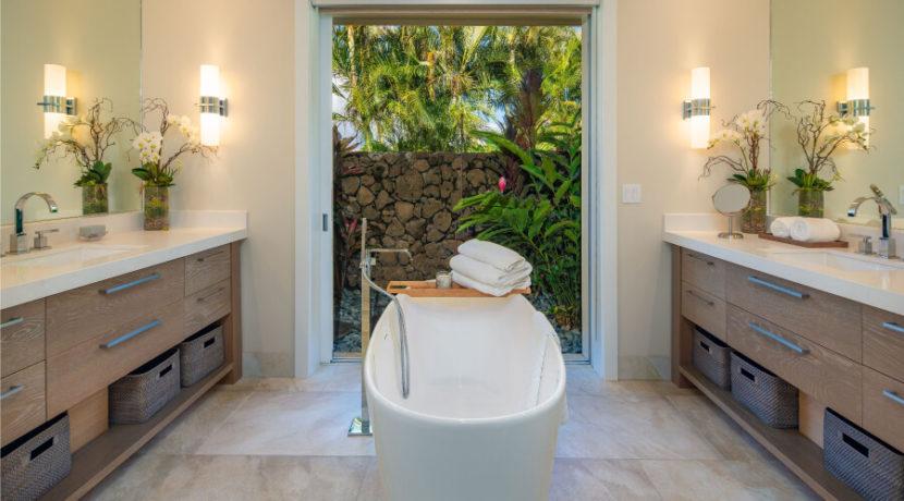 maui-fractional-north-shore-bathroom
