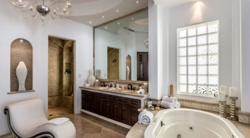 cabo-fractional-home-bathroom