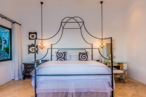 cabo-fractional-home-bedroom2